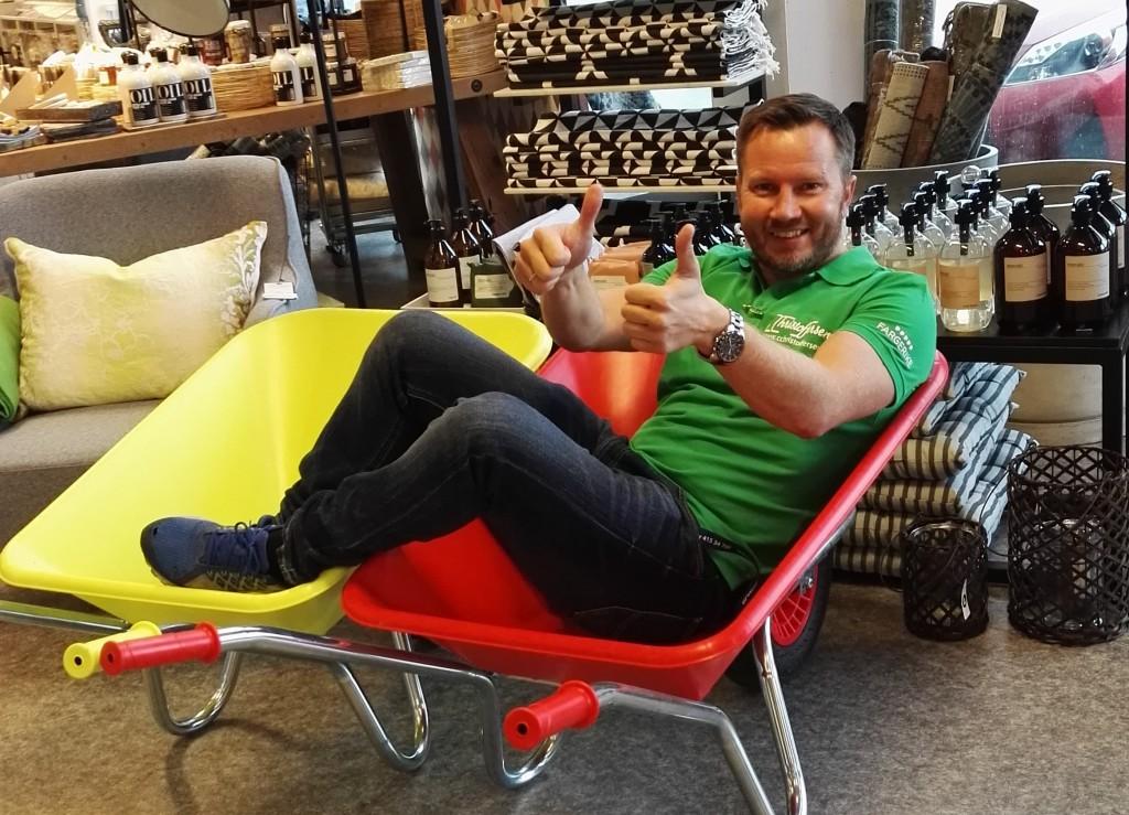 Finn Dagstad, butikksjef i Fargerike C. Christoffersen AS i Skien.