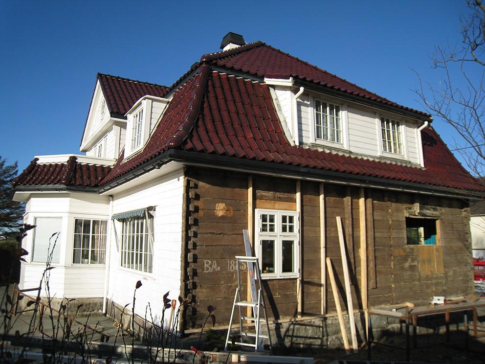 Mesterhus tilbyr både nye husprosjekter og rehabilitering av eldre hus.