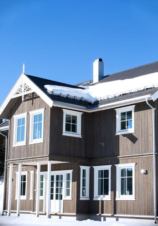 - Vi lager det kundene ønsker, og kan bidra til estetiske løft av nye boliger og hytter, samt rehabilitering av gamle, sier Helge Jønland.