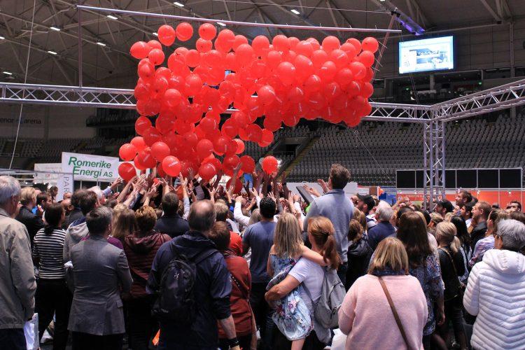 Bli med på ballongslippet – vi deler ut premier for over 80.000 kroner!